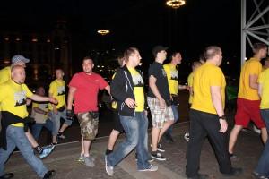 Alexander Deptolla, Christoph Drewer, Christian Meyer, Matthias Deyda, Patrick Brdonkalla und weitere Neonazis versuchen ins Rathaus zu gelangen.