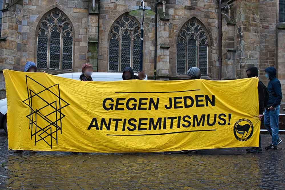 Banner: Gegen jeden Antisemitismus!