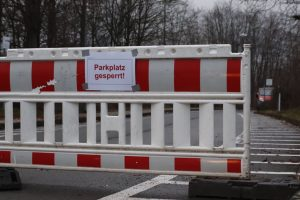 Absperrung am Parkplatz der TU Dortmund