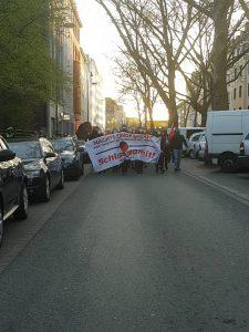 Die Spontandemonstration auf der Mallinckrodtstraße